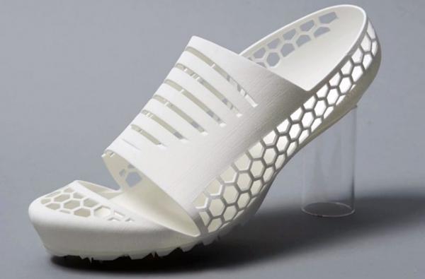 Кроссовки напечатанные на 3D принтере