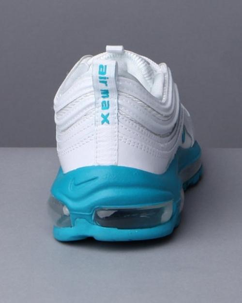 Кроссовки Nike. Вид воздушной подушки, повышающей амортизацию.