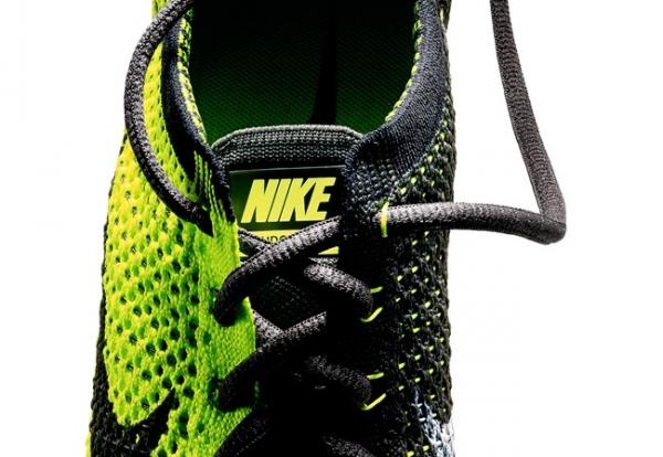 Кроссовки Nike, выполненные по технологии FlyKnit