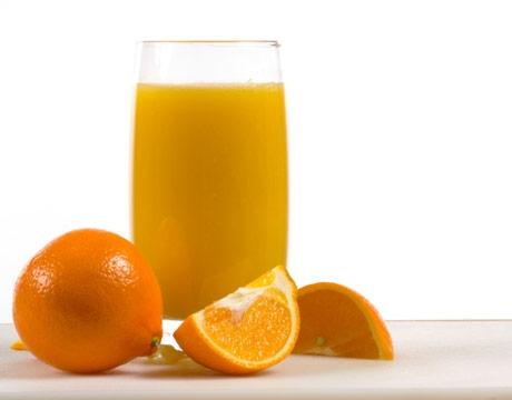После занятий выпейте стакан сока или минеральной воды